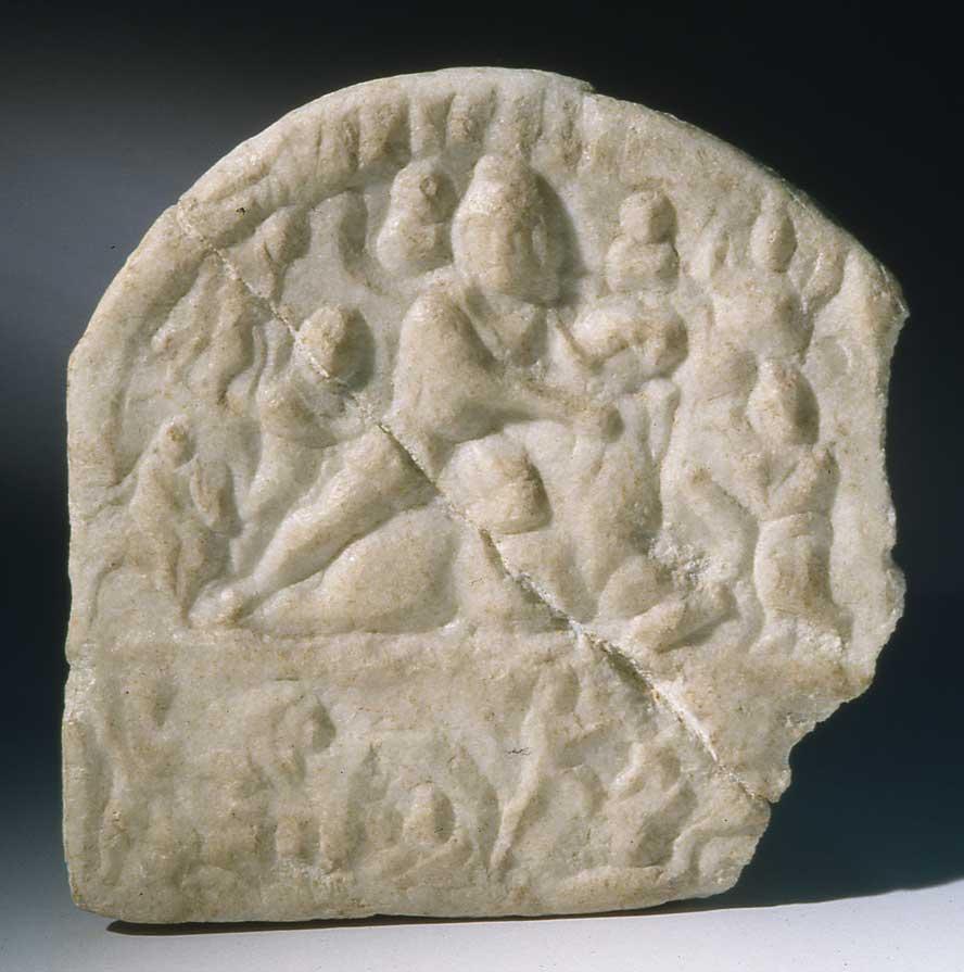 Steinernes Mithrasrelief, gefunden 1950 im Botanischen Garten. Mithras tötete einen Stier, um die Welt zu erschaffen. (Foto: Wien Museum)