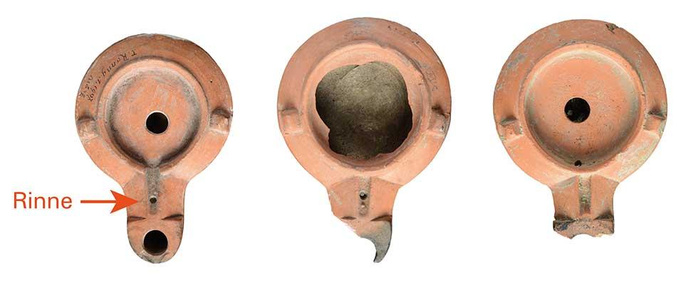 Bei den ältesten Firmalampen ist der Schnauzenkanal eine schmale Rinne.